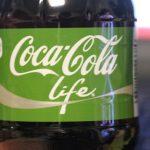 緑のコーラ:コカ・コーラ ライフを飲んでみた