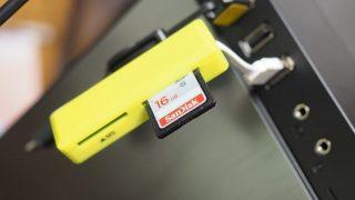 100円ショップ(セリア):マイクロSDカードが直接差せるメモリーカードリーダー 普通に使える!