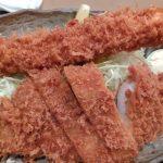群馬の美味しいトンカツ屋「かつ哲」、巨大海老フライがプリプリで旨い!