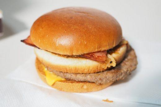 3年ぶりに復活した「テキサスバーガー」を食べてみた!45周年記念だってさ