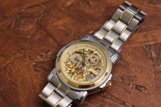 たった1600円!?超安い自動巻腕時計(機械式)を買ったぞ!